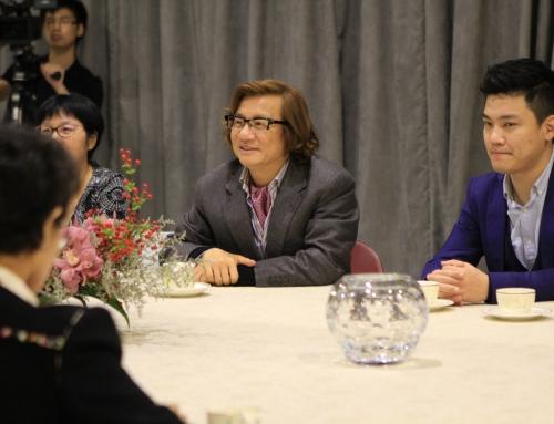 11月11日 玄陵与香港文汇报高层会面